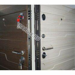 дверь с ламинатом