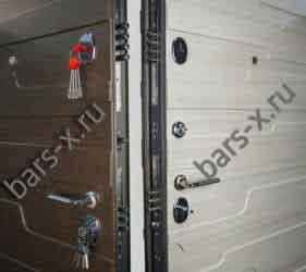 смена личинкок и замков металлической двери