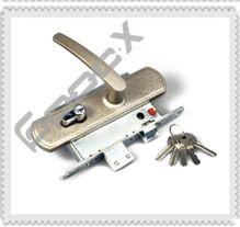ЗВ4-1 замена двеного замка личинки металлической двери