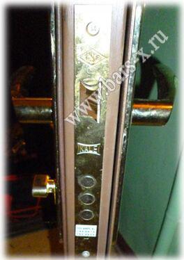 замена замка в металлической двери в москве
