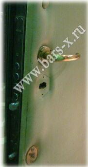 требуется замена замка со снятием мягкой обивки двери металлической входной