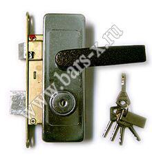 замена кнопочного замка на металлической двери