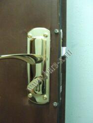 замена замка личинки в железной двери