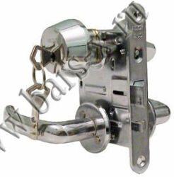 замена автоматического замка в железной двери