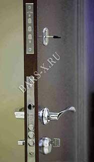 установить замок в квартирной металлической двери