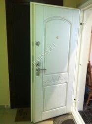 ремонт установка замка и панели на квартирной двери