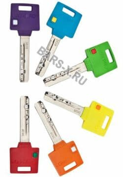 Индивидуальная метка на ключе – для удобства использования, разноцветные индивидуальные метки для всех членов семьи или работников офиса (учреждения)
