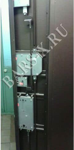 замена замков в металлической квартирной двери с разбором